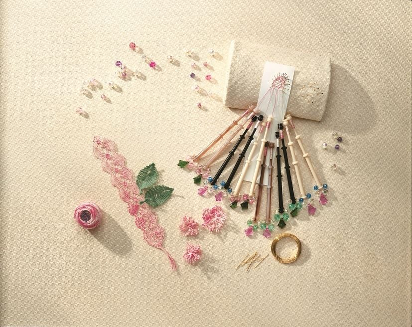 Lacemaking Craft Kit contents