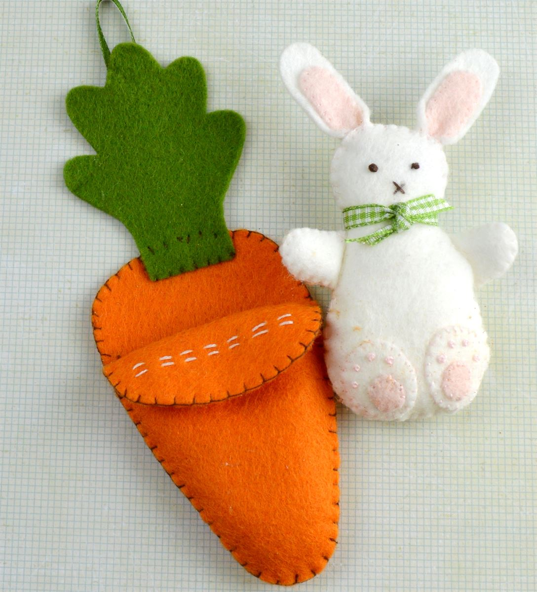 Bunny in Carrot Bed Felt Craft Kit
