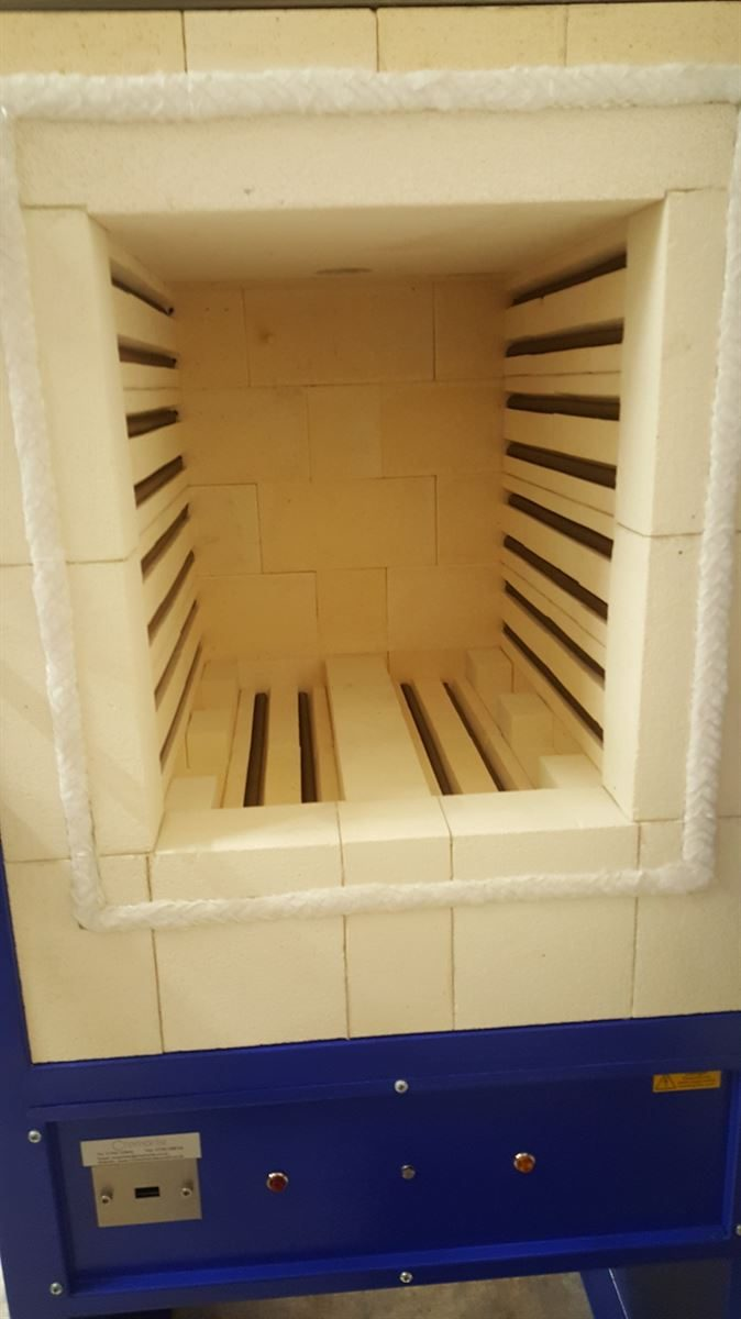 CFL090 Front Loading Kiln- Chamber view