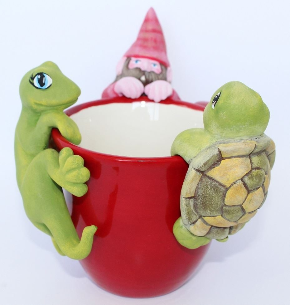 5205 Gecko Pottery Hugger with Gnome and Turtle