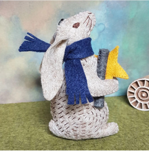 FAHAR1F Dr Hare Stargazer Felt Craft Kit