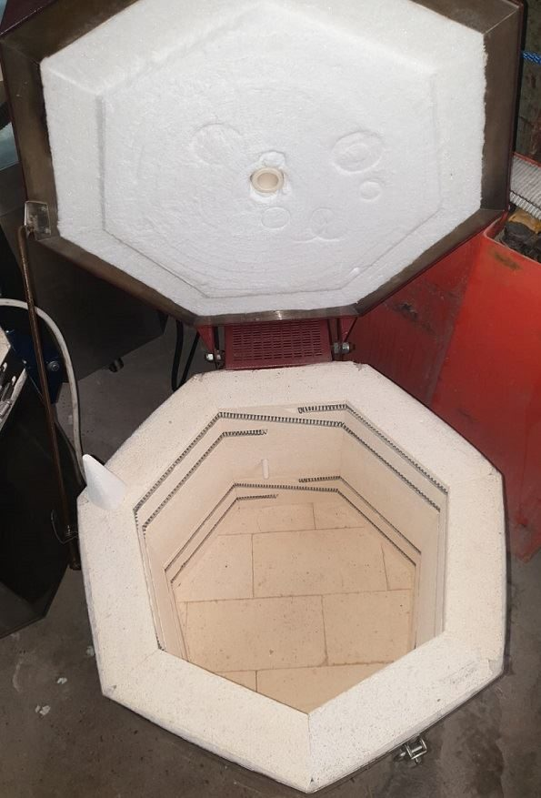 Refurbished Hobbytech 40 Kiln with SF3300/2 Controller